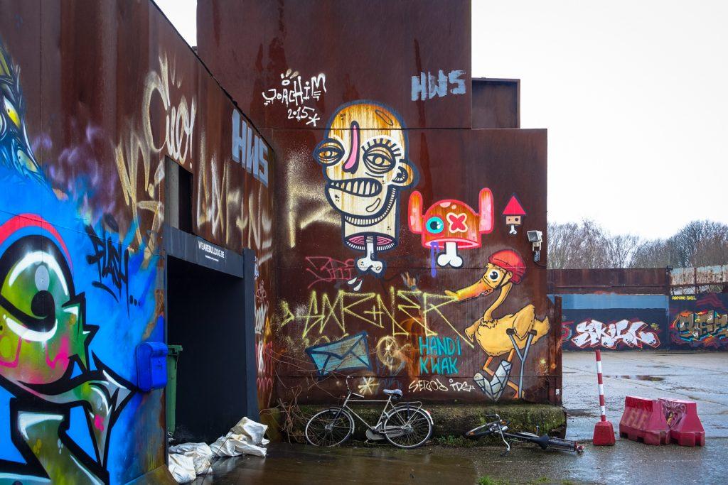 graffiti - joachim,  ox alien, handi kwak - petrol, antwerpen