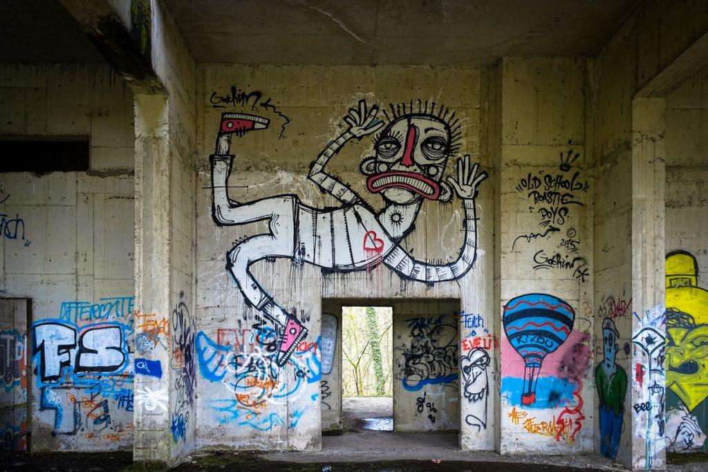 urbex art - joachim - swamp hotel, mechelen, belgium