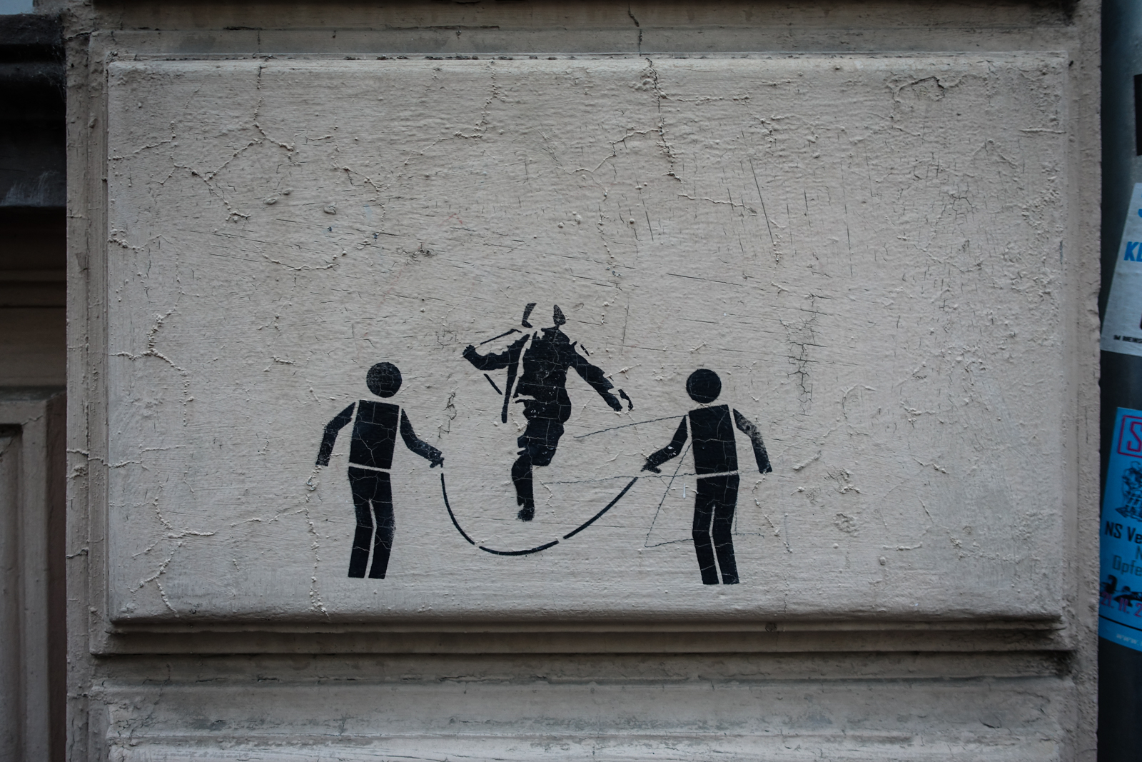 urban art stencil wall - photo #38
