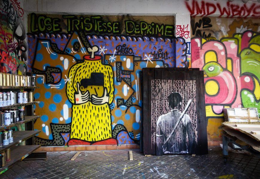 """kouka ausstellung """"back against the wall"""" im jardin rouge – marrakesch"""