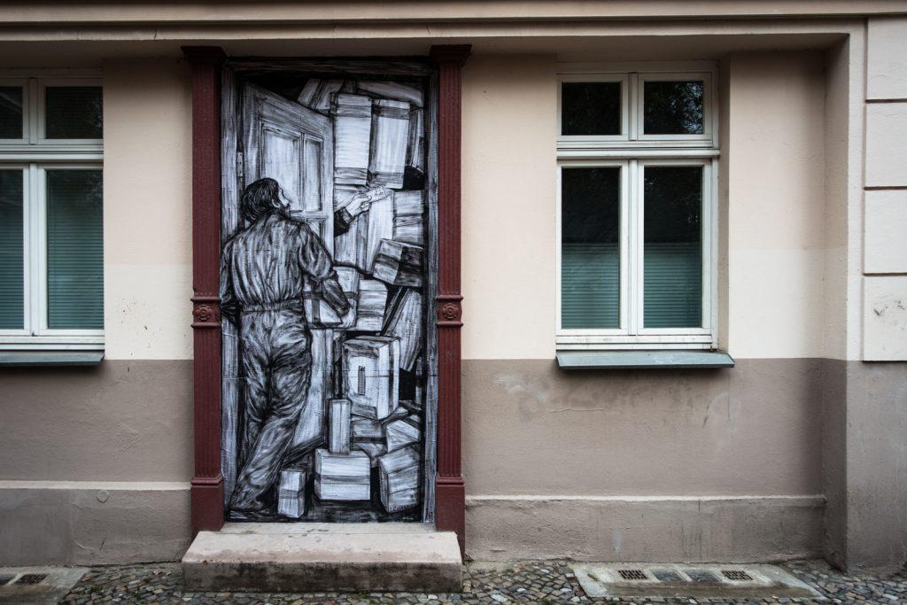 paste up - levalet - bergstrasse, berlin