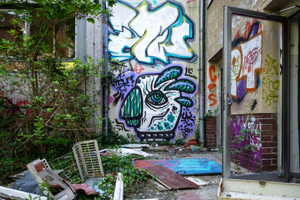 urbex - graffiti - anatomy institute - berlin, dahlem