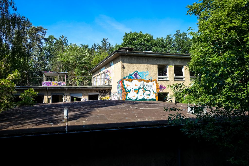 urbex graffiti - faita - anatomy institute - berlin, dahlem