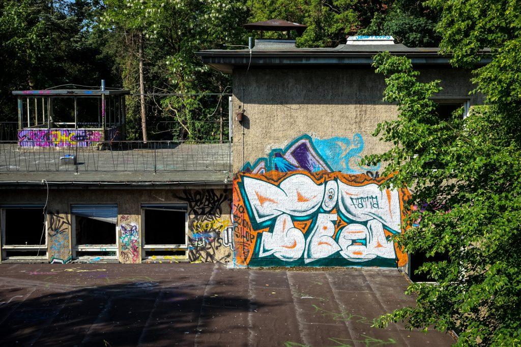 urbex graffiti - faita - anatomy institute - berlin, dahlem