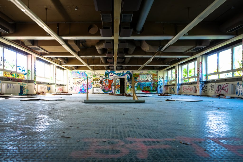 urbex - anatomy institute - berlin, dahlem
