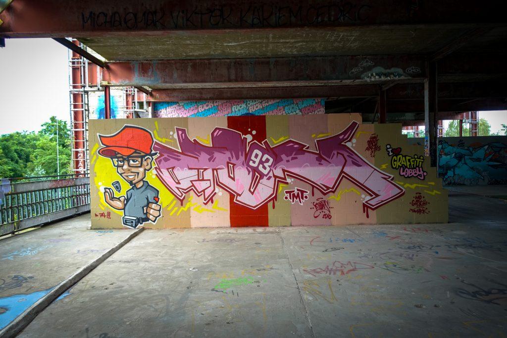 graffiti - ptoons - berlin, abhörstation teufelsberg