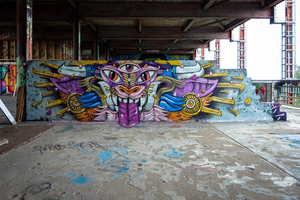 graffiti - michel velt - berlin, abhörstation teufelsberg