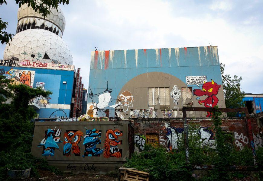 """graffiti lobby berlin """"the art of living"""" – graffiti jam, teufelsberg"""