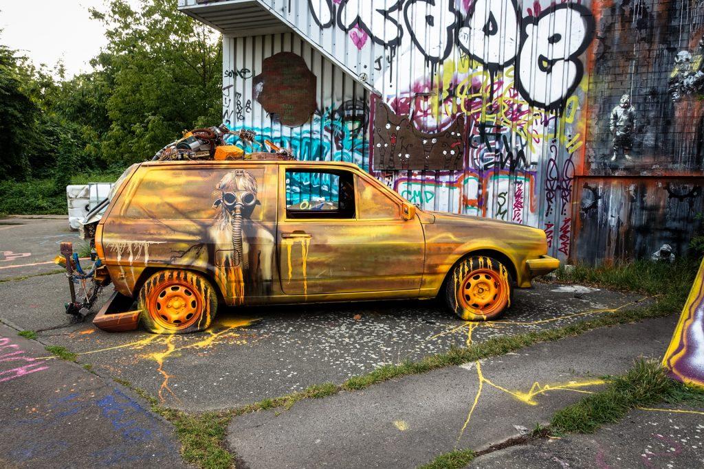 streetart - plotbot ken - berlin, abhörstation teufelsberg