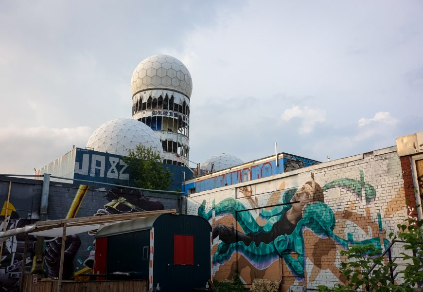 urbanart galerie in ehemalige abhörstation teufelsberg, berlin