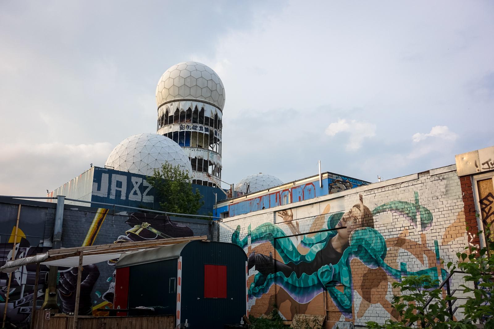 graffiti - vidam & james bullough - berlin, abhörstation teufel