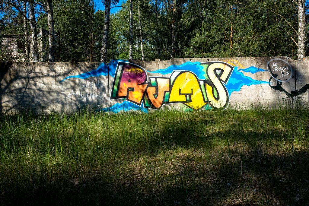 urbex graffiti - rums - ghostcity vogelsang