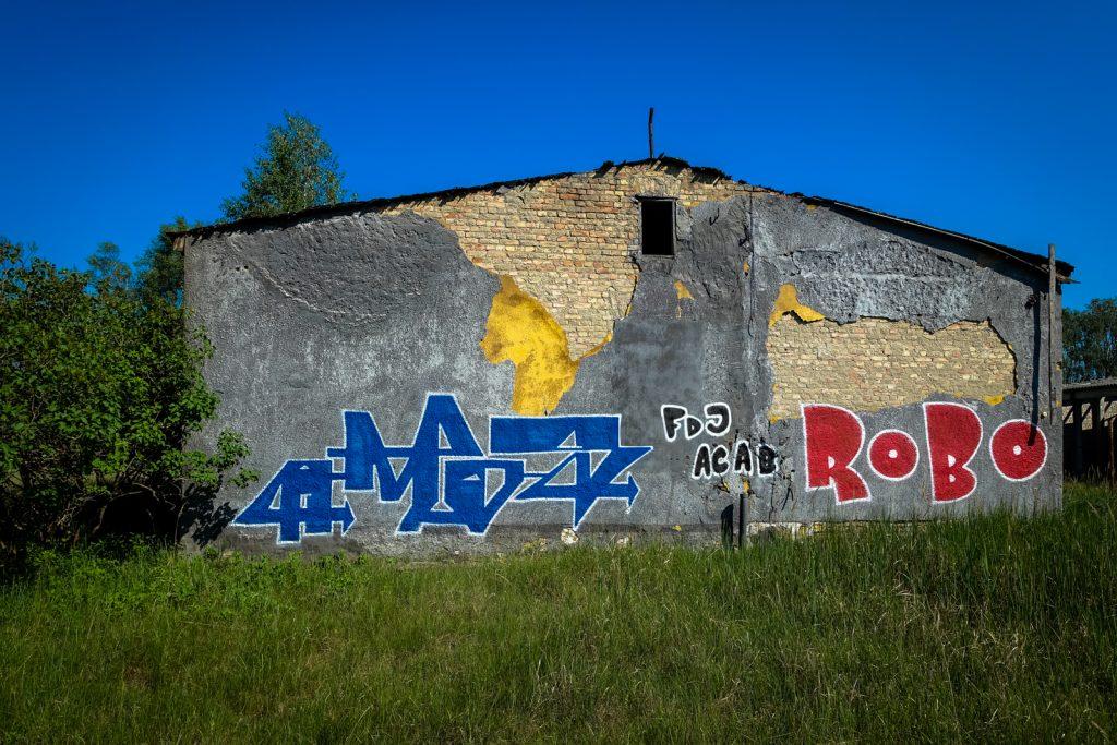 urbex graffiti - amos & robo - ghostcity vogelsang