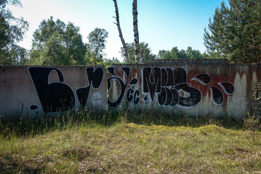 urbex graffiti - mina & very128 - ghostcity vogelsang