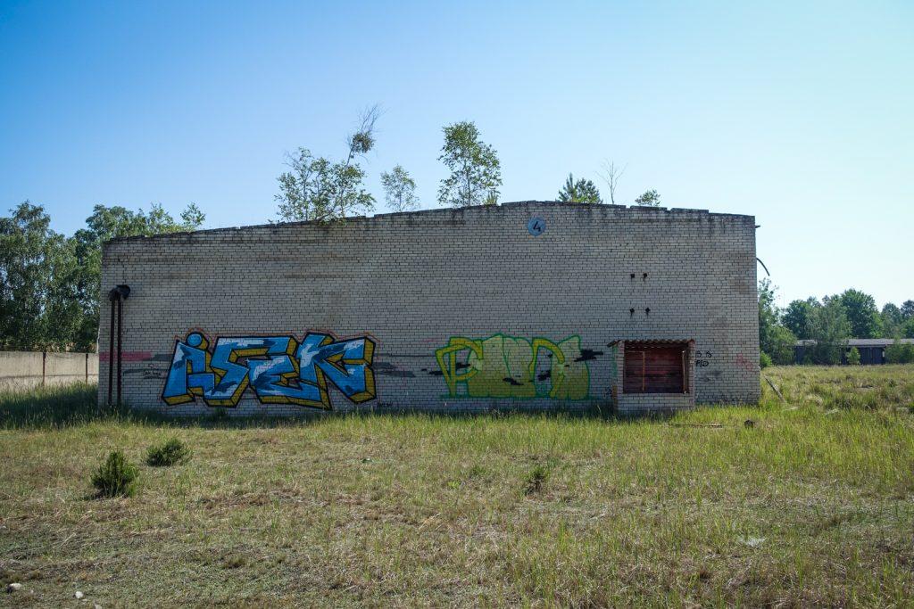 urbex graffiti - isek - ghostcity vogelsang