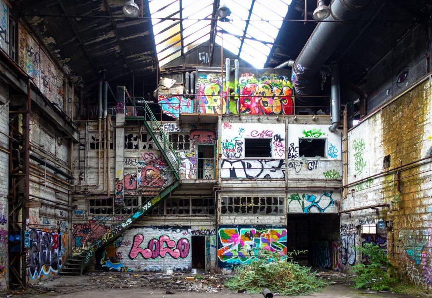 urbexgraffiti im deutz ag industrieruine, köln mülheim