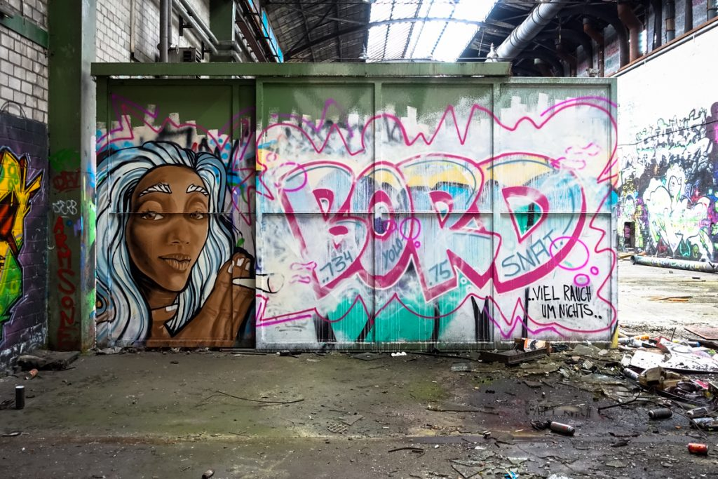 urbexgraffiti - bord - deutz ag industrieruine, köln mülheim