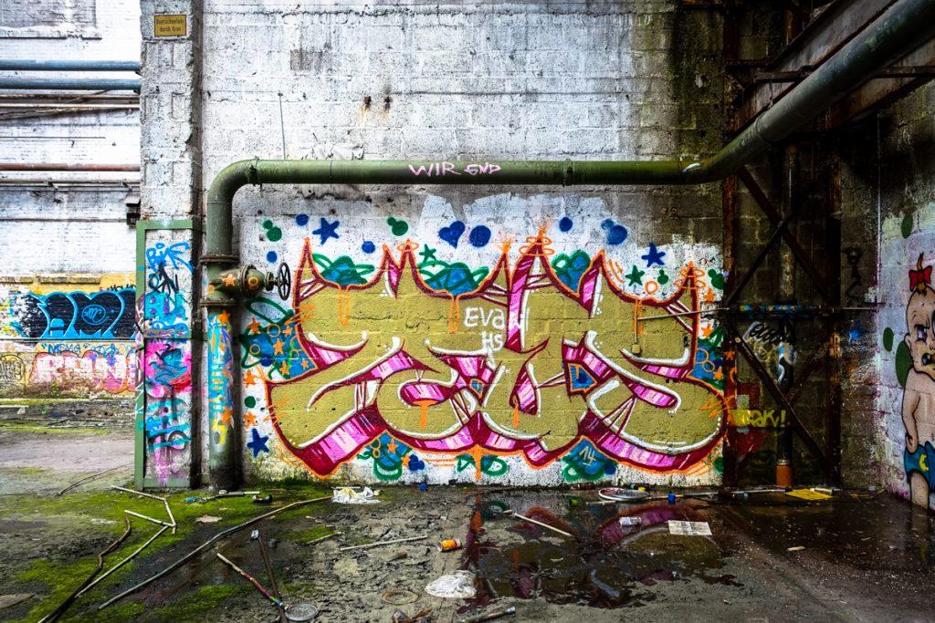 urbexgraffiti - zeus - deutz ag industrieruine, köln mülheim