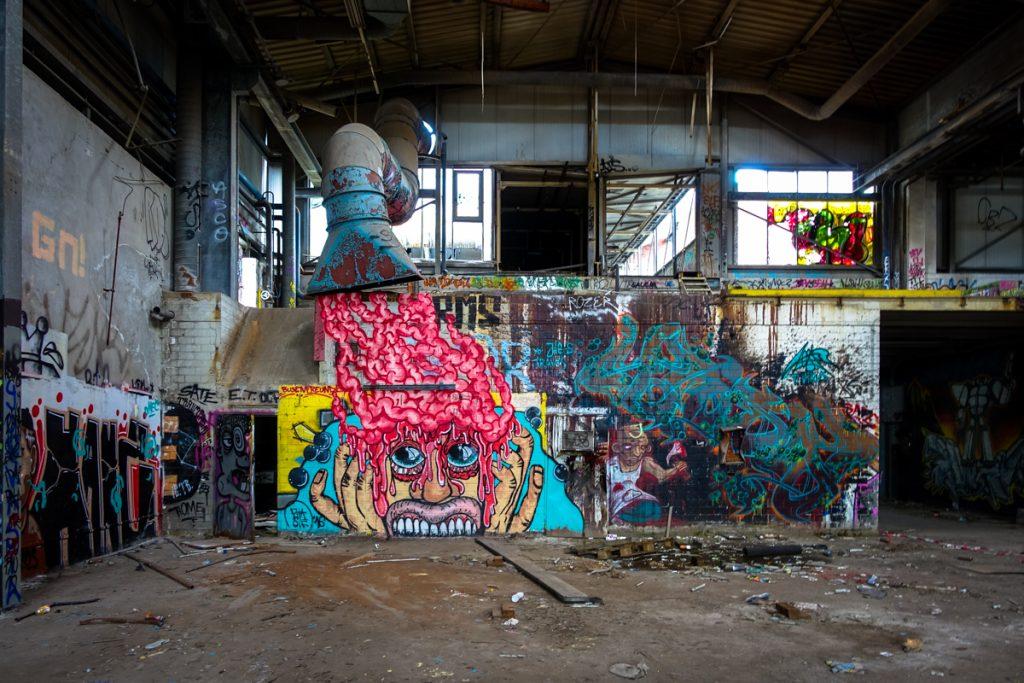 urbexgraffiti - deutz ag industrieruine, köln mülheim