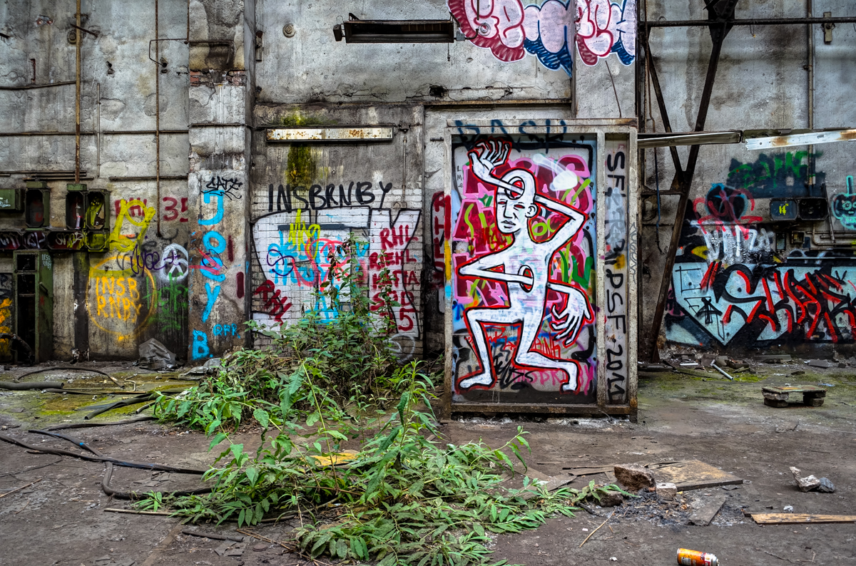 urbexgraffiti at deutz abandoned factory cologne m lheim urbanpresents. Black Bedroom Furniture Sets. Home Design Ideas
