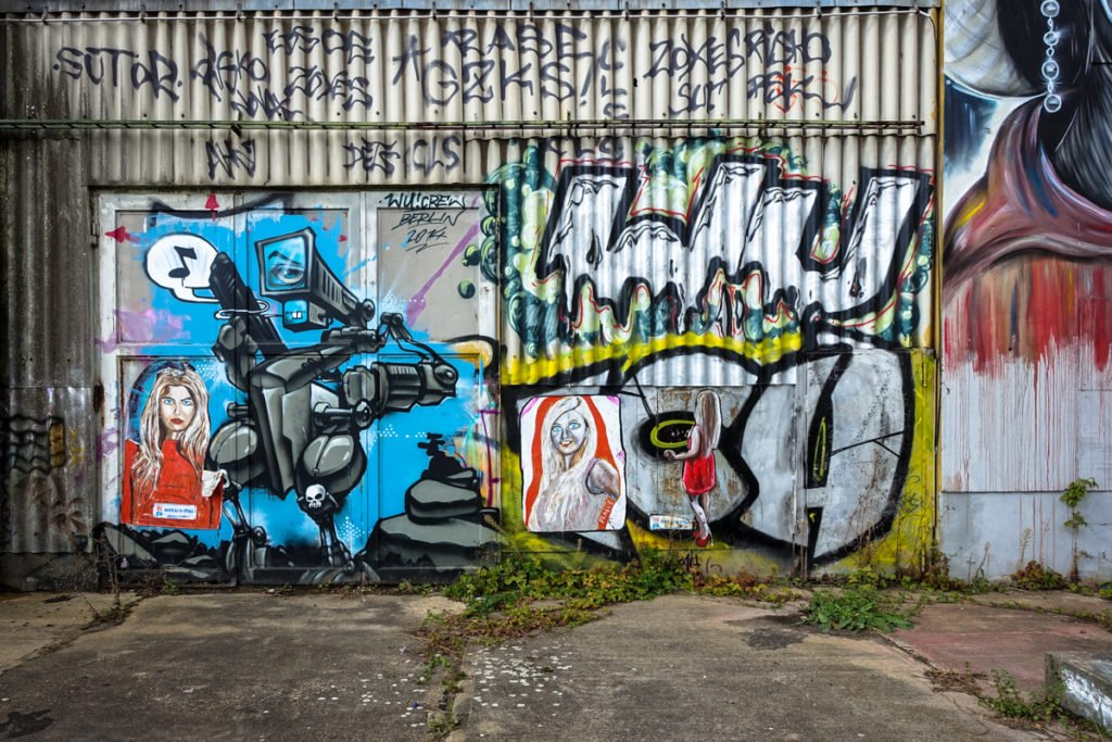 graffiti - wu crew / paste up - danilo art-merbitz - aerosol-are