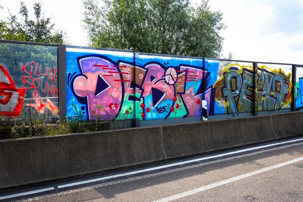 graffiti - debil & peilo - rheinbrücke leverkusen