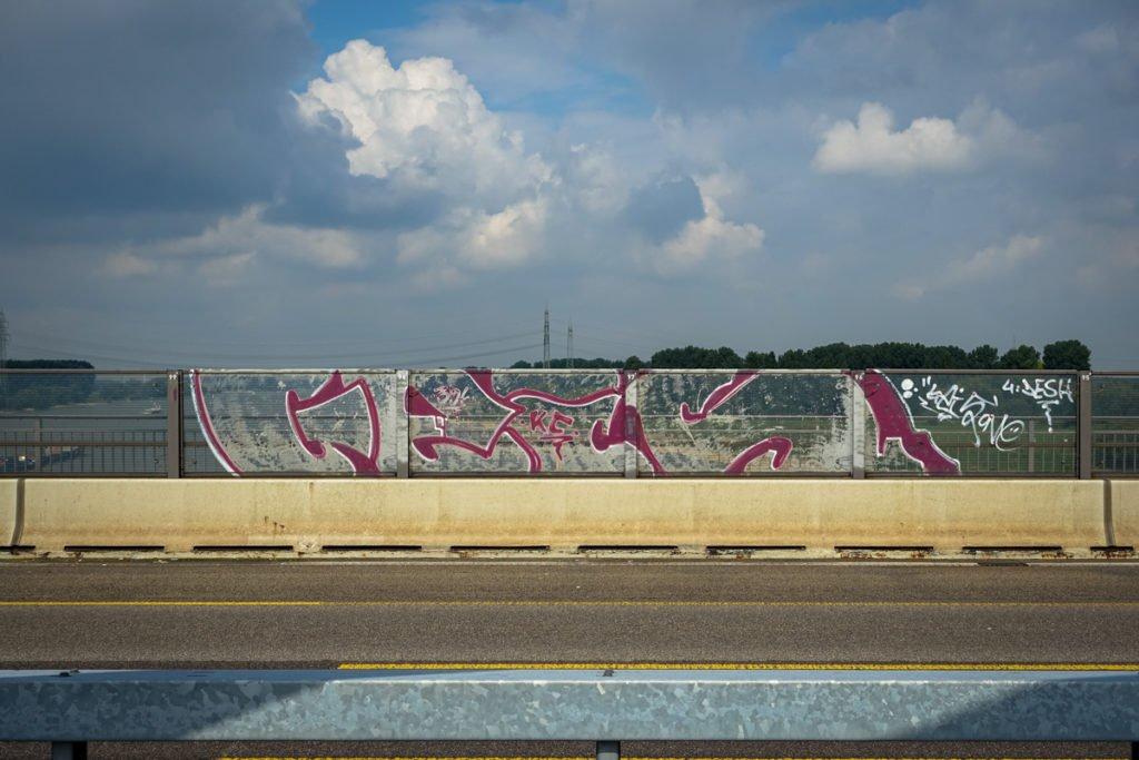 graffiti - geis - rheinbrücke leverkusen