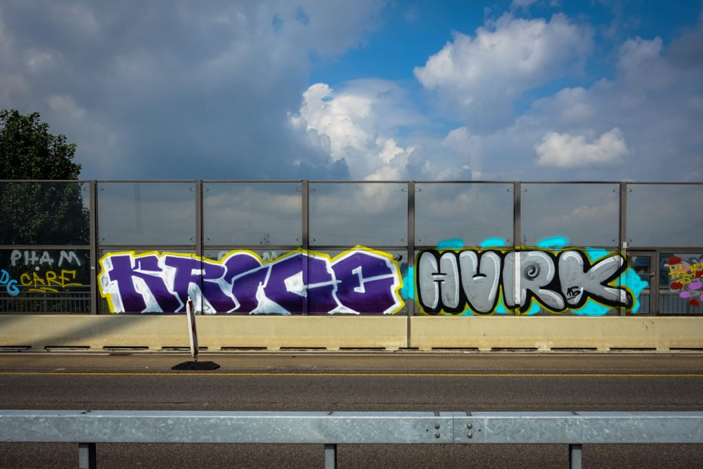 graffiti - krice & hurk - rheinbrücke leverkusen