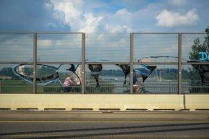graffiti - taj - rheinbrücke leverkusen