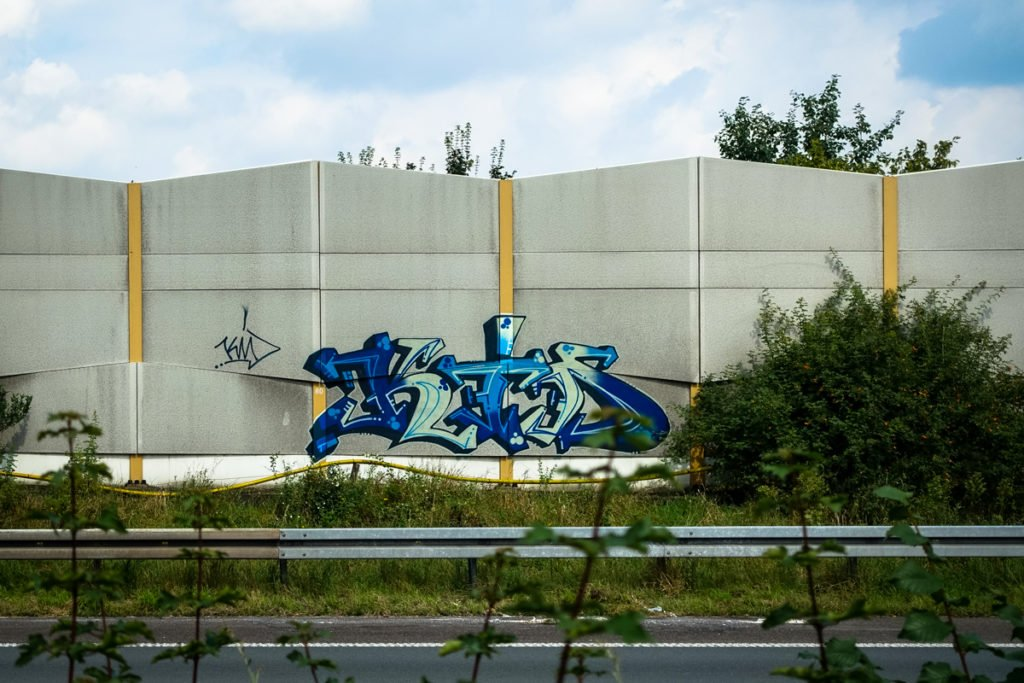 graffiti - km - rheinbrücke leverkusen