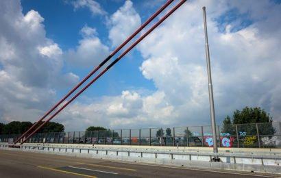 graffiti auf der leverkusener rheinbrücke