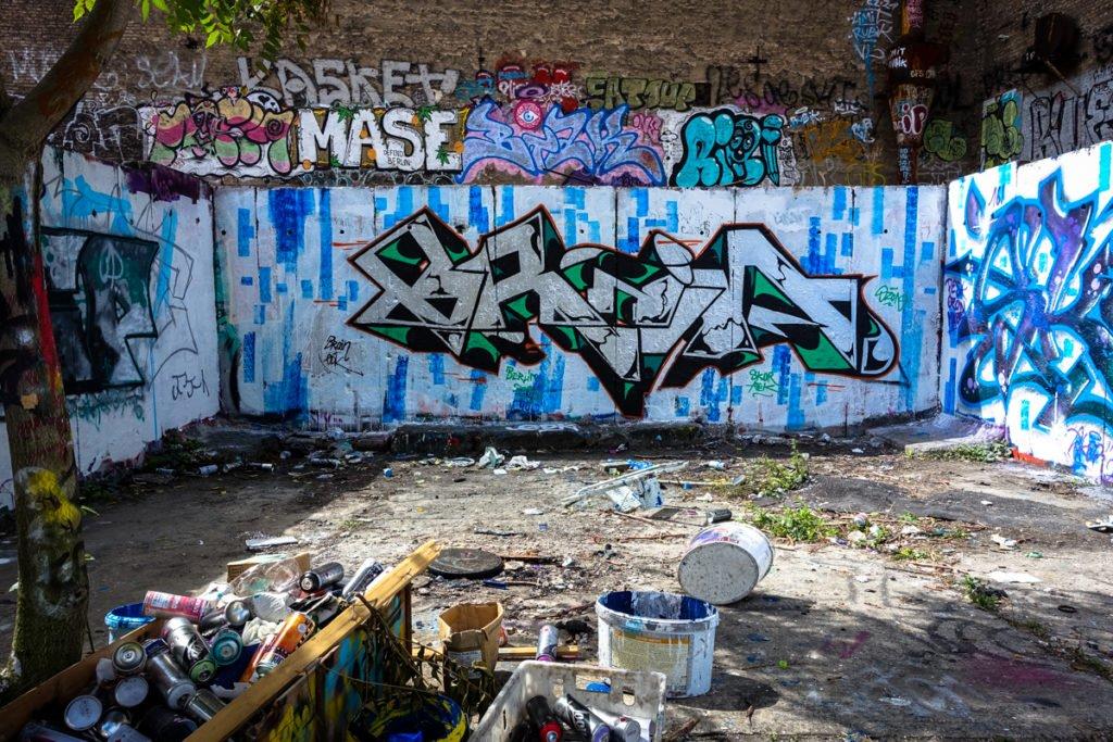graffiti brain platoon berlin mitte urbanpresents. Black Bedroom Furniture Sets. Home Design Ideas