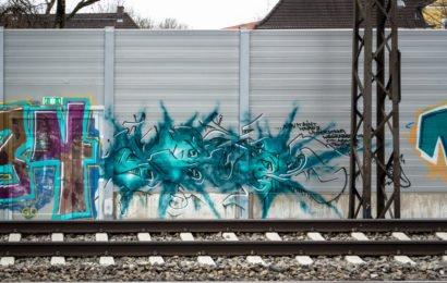 graffiti –  leuchtenbergring, münchen