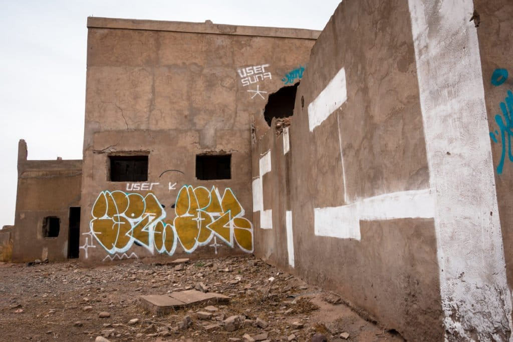 graffiti – user – lost place with jardin rouge artists