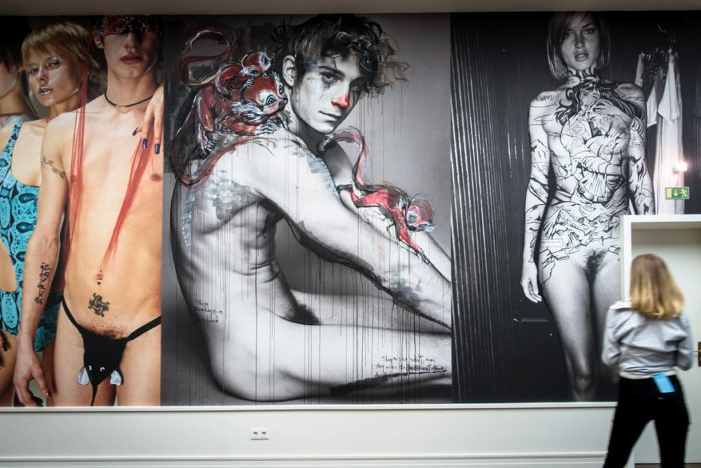 mario testino finisage with street art intervention - helmut new
