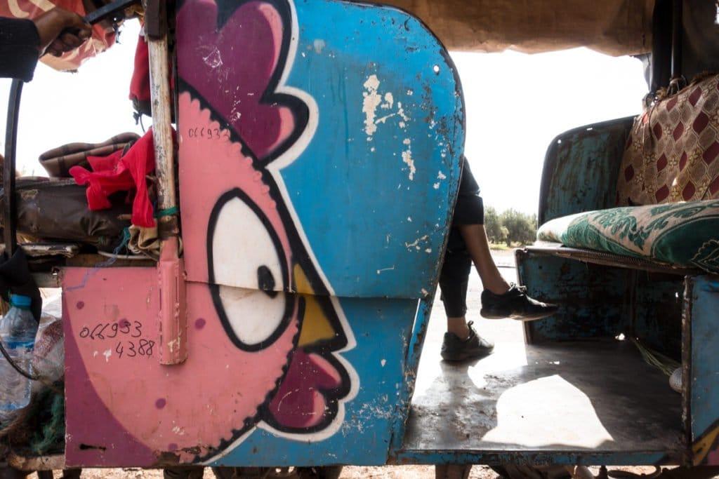 graffiti – ceet – urbex art on the road to jardin rouge