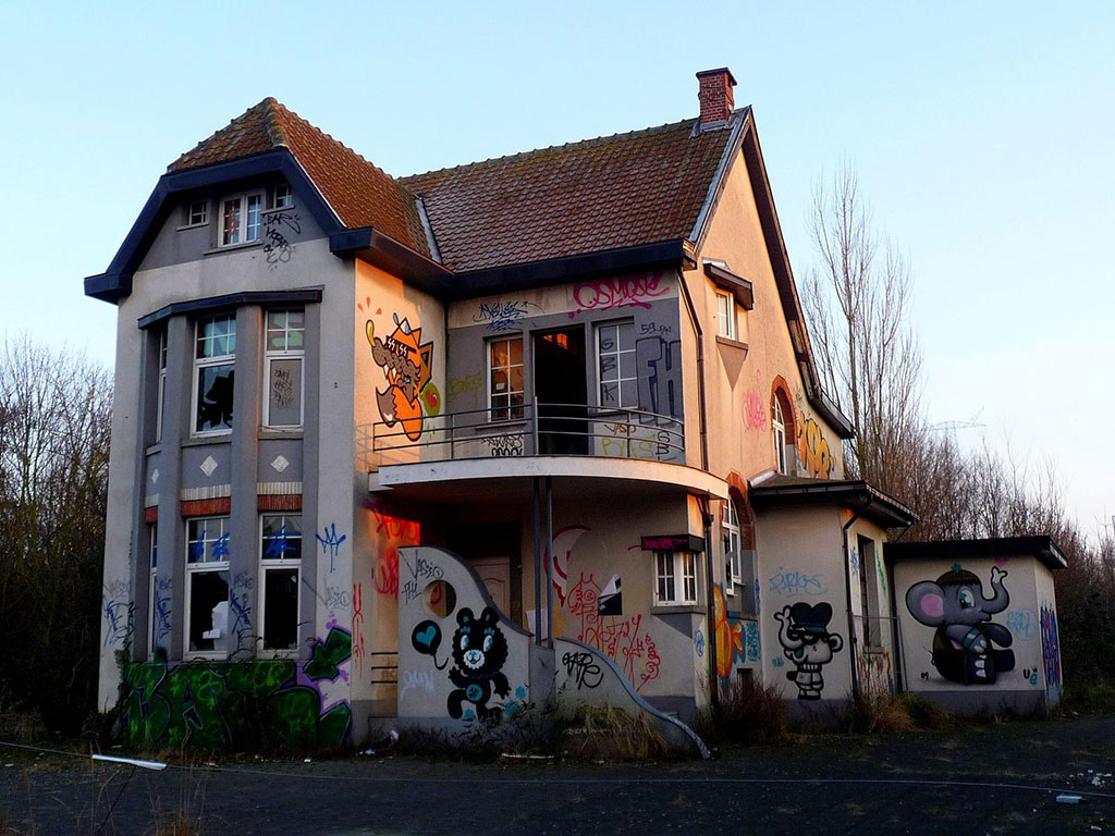 das geisterdorf doel in belgien – streetart & graffiti