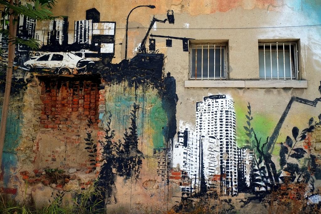 """streetart im lissabons randlage: """"fábrica braço de prata"""" und """"underdogs galerie"""""""